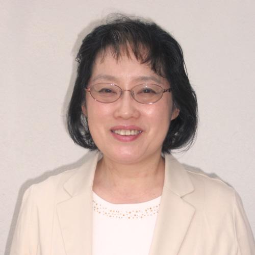 安達 悦子