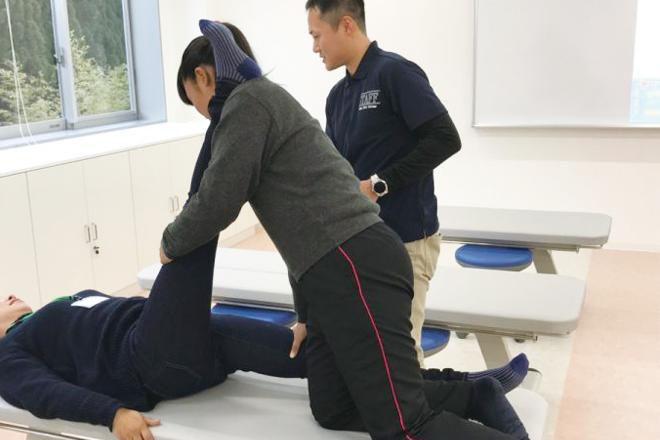 体の動きが楽になる?手技療法体験