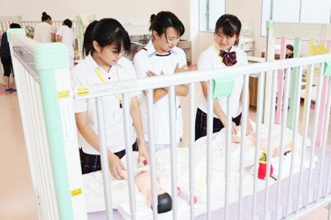 母性看護学 育児体験